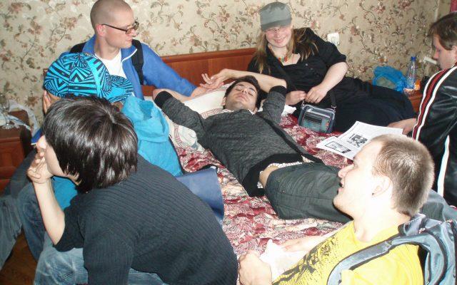 """Маша Ефременкова (в кепи """"милитари"""":) - наша надежда на Питерский прайд в июне 2010 года."""