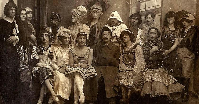 Первые травести революционного Петрограда