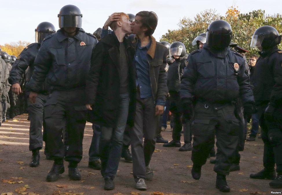 Гомофобные настроения в России растут из года в год