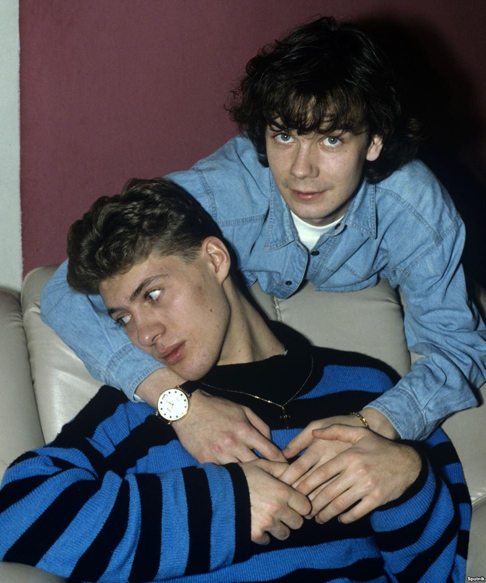 """""""Влюбленные Сергей и Геннадий"""", фотография, сделанная в 1992 году"""