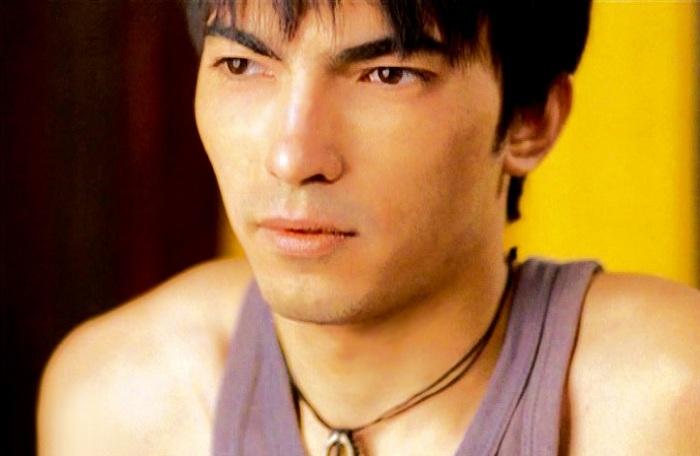 Дамир Бадмаев. «Я люблю тебя» (2004)